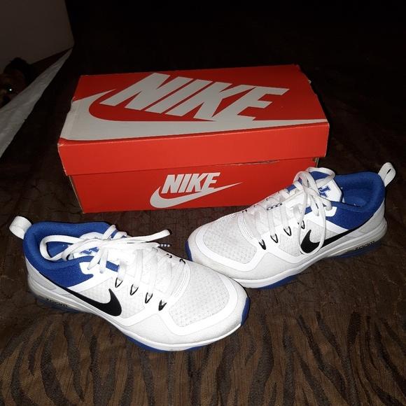 Nike Shoes - Nike Kentucky Wildcats shoes